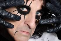 Průkopník stylu shock rock a extravagantní rockový hudebník Alice Cooper.