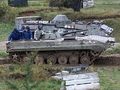 Army Day v Ořechově na Brněnsku. Zájemci se projeli v obrněném transportéru, lidé hráli i paintball.