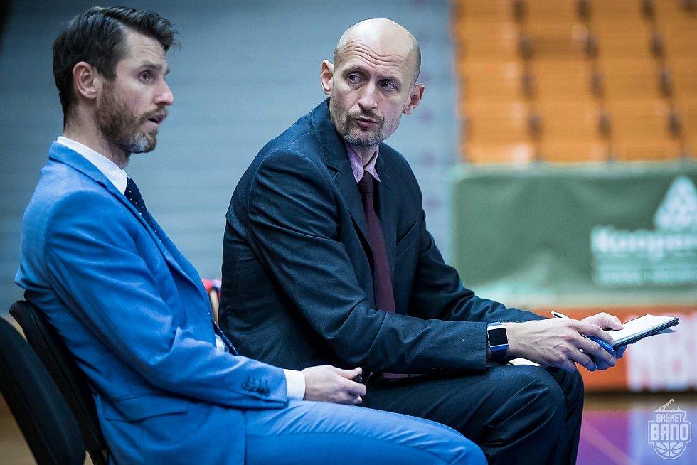Trenér Lubomír Růžička s jedním ze svých asistentů Lubošem Bartoněm (vpravo).