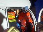 Nehoda čtyř aut uzavřela dálnici D1. Z dodávky vyprošťovali zraněného muže