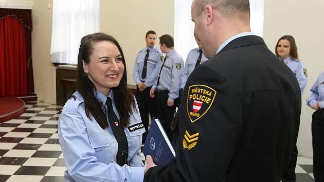 Vyřazení nových strážníků Městské policie Brno na radnici.