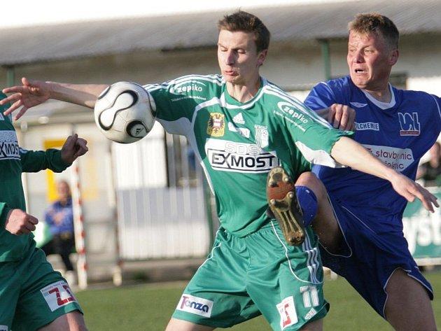 Fotbalisté Bystrce (v zeleném nejlepší střelec týmu Stanislav Zedníček) přezimují na druhém místě tabulky.