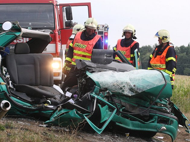 Tragická nehoda mezi Židlochovicemi a Žabčicemi si vyžádala i životy mladých lidí.