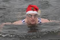 Už od roku 1978 se otužilci pravidelně scházejí prvního ledna u řeky Svratky v brněnské Bystrci, aby si zaplavali a pokřtili nové členy.