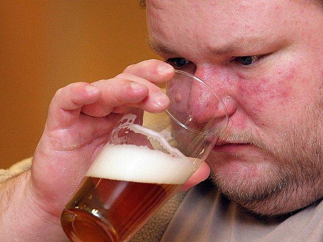 Degustéři hodnotí 43 značek piv.