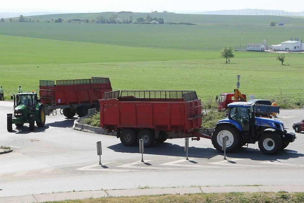 Protesty v Brně se obešly bez větších komplikací. Zemdělci se zdržovali v okolí Slatiny.