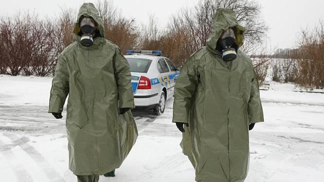 Cvičení Zóna 2013 mělo připravit hasiče, policisty, záchranáře i vojáky na případnou hávárii dukovanské elektrárny.