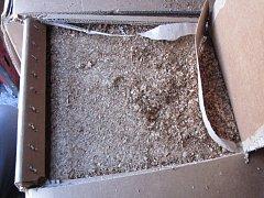 Celníkům se mezi nákladem podařilo odhalit řezaný tabák. Bylo ho sedm set kilo.