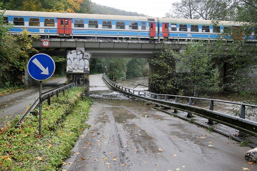 Brno 16.10.2020 - řeka Svitava mezi Bílovicemi nad Svitavou a Adamovem