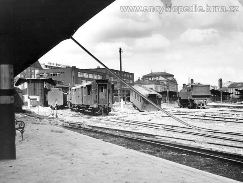 Nádraží v Brně (pátek 27. duben 1945).