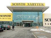 Dvojici nábytkářských obchodů Asko a Sconto u nákupního centra Olympia doplnil vloni po Vánocích Möbelix. Jeho vlastník zde chce otevřít i obchod značky XXXLutz. Stávající Möbelix proto rozšíří o přístavbu.