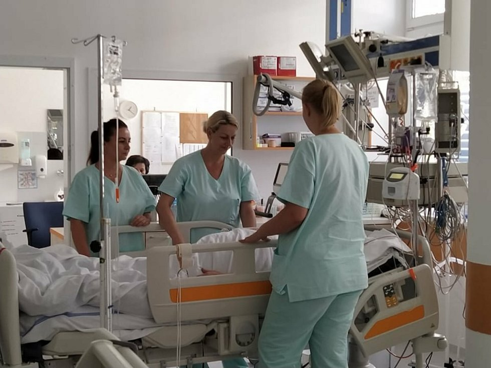 Lůžko následné intenzivní péče v hodonínské nemocnici.
