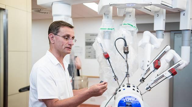 Roman Šefr, přednosta operační onkologie