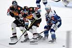 12.1.2021 - dopmácí HC Kometa Brno v modrém (Ondřej Němec) proti HC Sparta Praha (Tomáš Šmerha a Lukáš Pech)