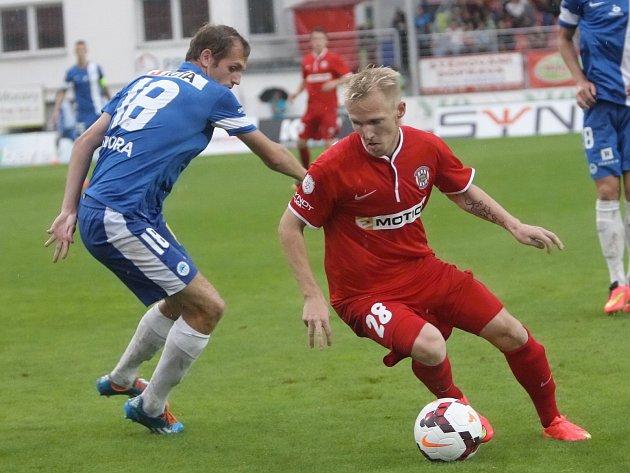 Fotbalisté Zbrojovky Brno (v červeném) porazili Liberec 1:0.