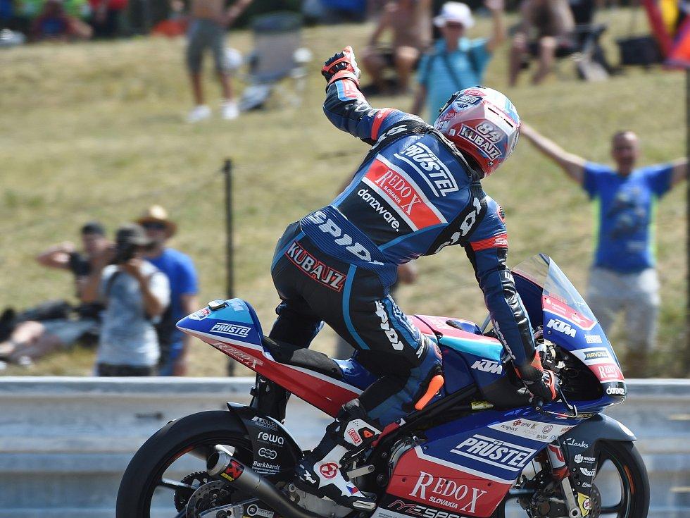 Jakub Kornfeil dojel v závodě Moto3 na třetím místě.