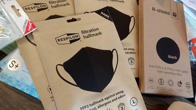 Brněnská firma Respilon vyrábí ústenky s nanovlákenným filtrem.