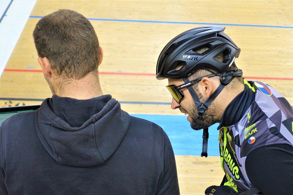 Dráhoví cyklisté brněnské Dukly (trenér Lubomír Vojta a David Sojka) strávili další dva týdny na soustředění v Bulharsku.