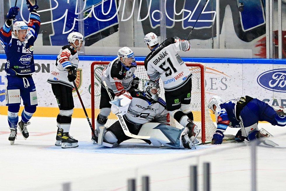 Hokejisté Komety Brno (v modrém) se poprvé v novém roce představili na domácím ledě proti Karlovým Varům. Foto: HC Kometa Brno/Vít Golda