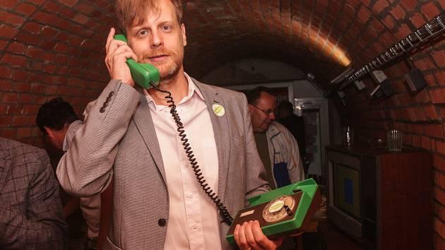 Organizátoři projektu Retro-use chtějí zachránit staré věci, třeba telefony s číselníkem.