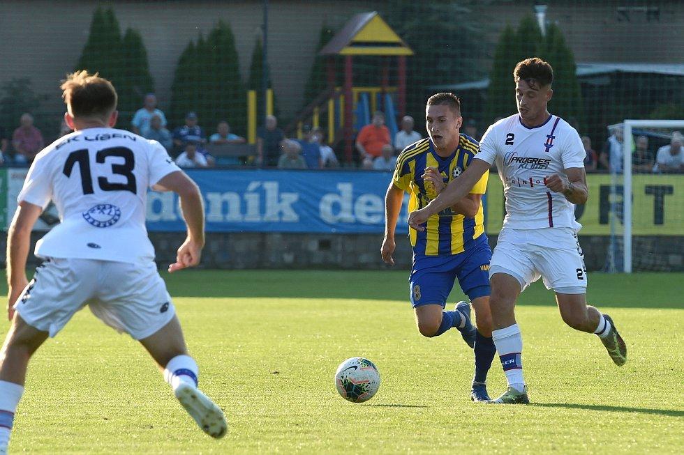 12.9.2020 - domácí SK Líšeň v bílém (Jan Silný) proti FK Varnsdorf (Filip Chládek)