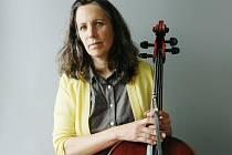 Brněnský klub Stará Pekárna přivítá v sobotu 8. června vystoupení hned americké violoncellistky Lori Goldston.
