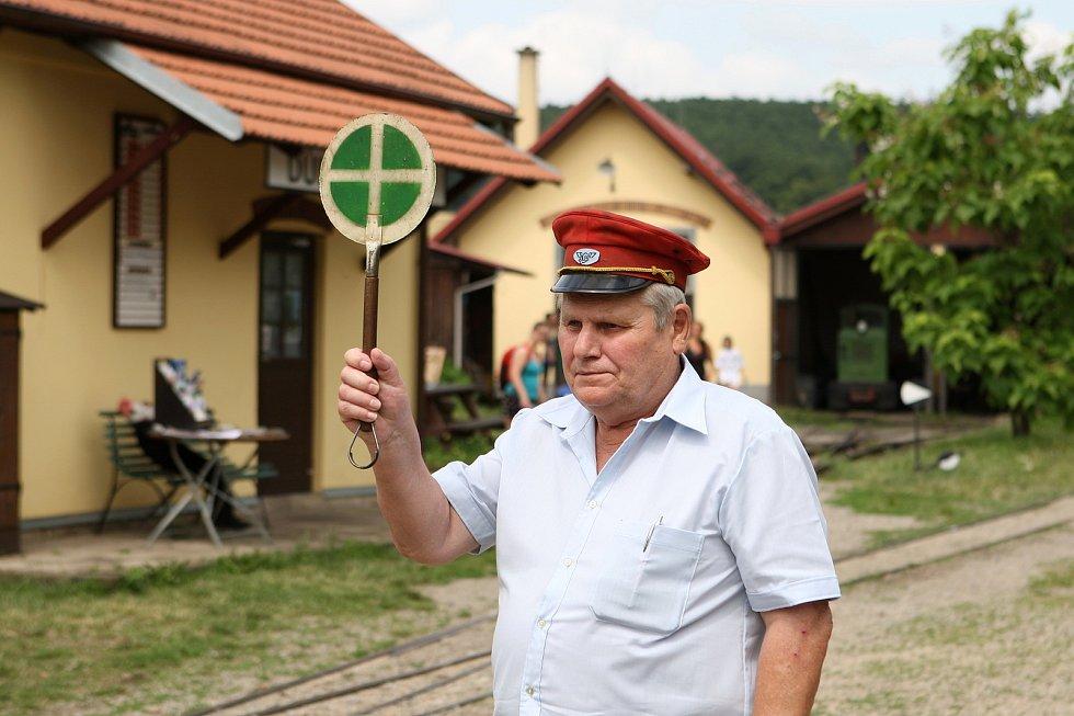 Mikroregion Kahan uspořádal v sobotu akci S párou za horníky. Připomněla historii těžby černého uhlí na Rosicku a Oslavansku.