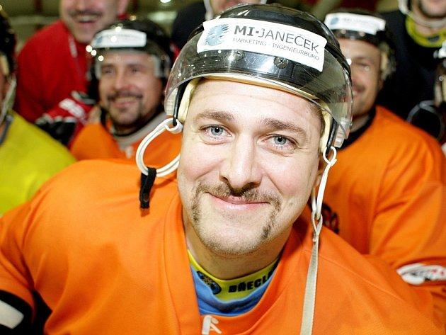 ROK 2012: Do akce Movember se vloni zapojili a kníry si nechali narůst i hokejisté Techniky Brno.