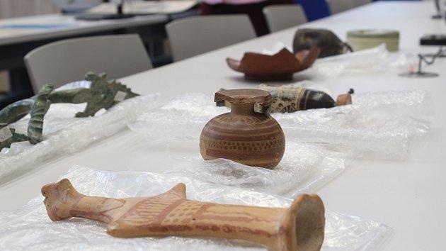 Brněnští archeologové a muzeologové z Masarykovy univerzity bádají v nových laboratořích.