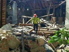 V Brněnských Řečkovicích se v neděli po poledni zřítil neobydlený dům.