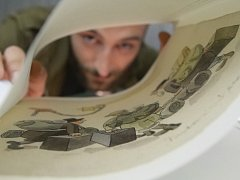 Deníky Ondřeje Sekory, ilustrátora a autora dětských knih včetně známého Ferdy Mravence, představilo v pondělí dopoledne Moravské zemské muzeum v Brně a nakladatelství Plus.