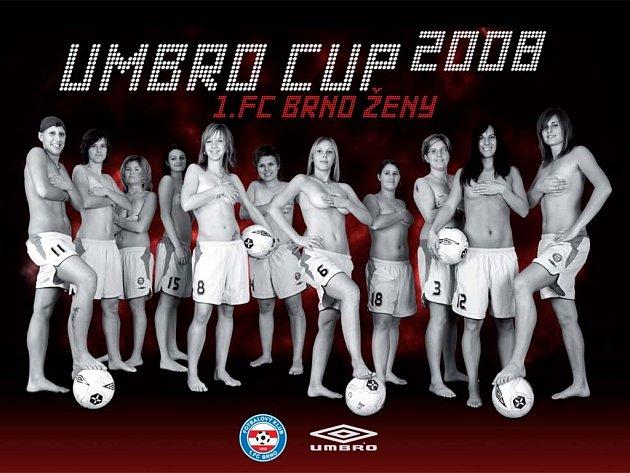 Fotbalistky 1.FC Brno pózují pro kalendář.