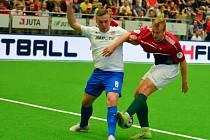 Neskutečné drama s radostným koncem pro českou reprezentaci do 21 let v malém fotbale. Ve čtvrtfinále mistrovství světa v pražské hale Jedenáctka vyřadila Maďarsko 3:2 až po pokutových kopech a v nedělním semifinále se hodinu po poledni utká s Itálii.