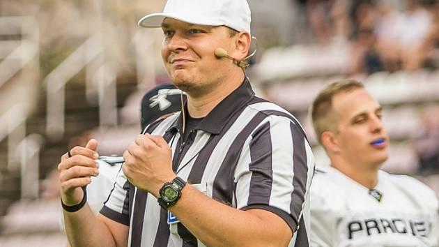 Rozhodčí amerického fotbalu Richard Gazdík patří mezí nejlepší rozhodčí v České republice.