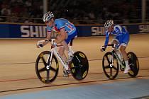 Dráhový cyklista Martin Bláha (vlevo).