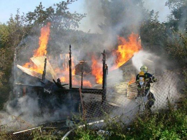 Požár chaty - ilustrační