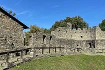 Pod hradbami hradu v Hukvaldech čerpal inspiraci hudební skladatel Leoš Janáček. V Hukvaldech se totiž narodil.