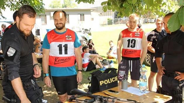 Zájemci o práci u policie si vyzkouší fyzické a psychické testy přijímacího řízení.