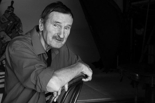 Zemřel Jef Kratochvil. Fotograf rozpadu Československa z vily Tugendhat