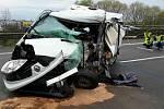 Nehoda dvou aut poblíž Slavkova u Brna.