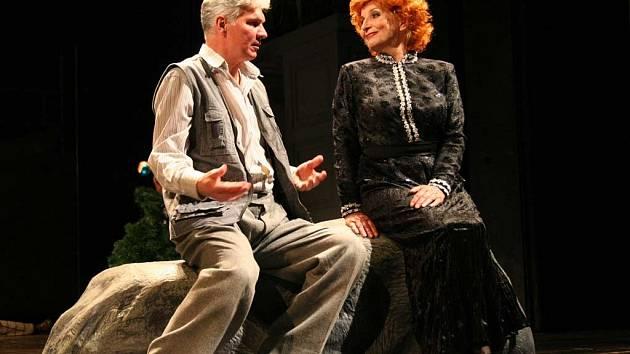 Hlavní role bývalého mileneckého páru patří Marii Durnové a Ondřeji Mikuláškovi.