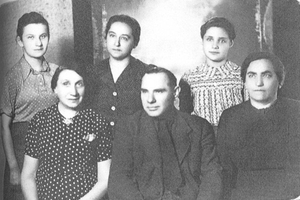 Rodina Kellermannových. Holocaust přežila jen Erika Bezdíčková a její sestra.