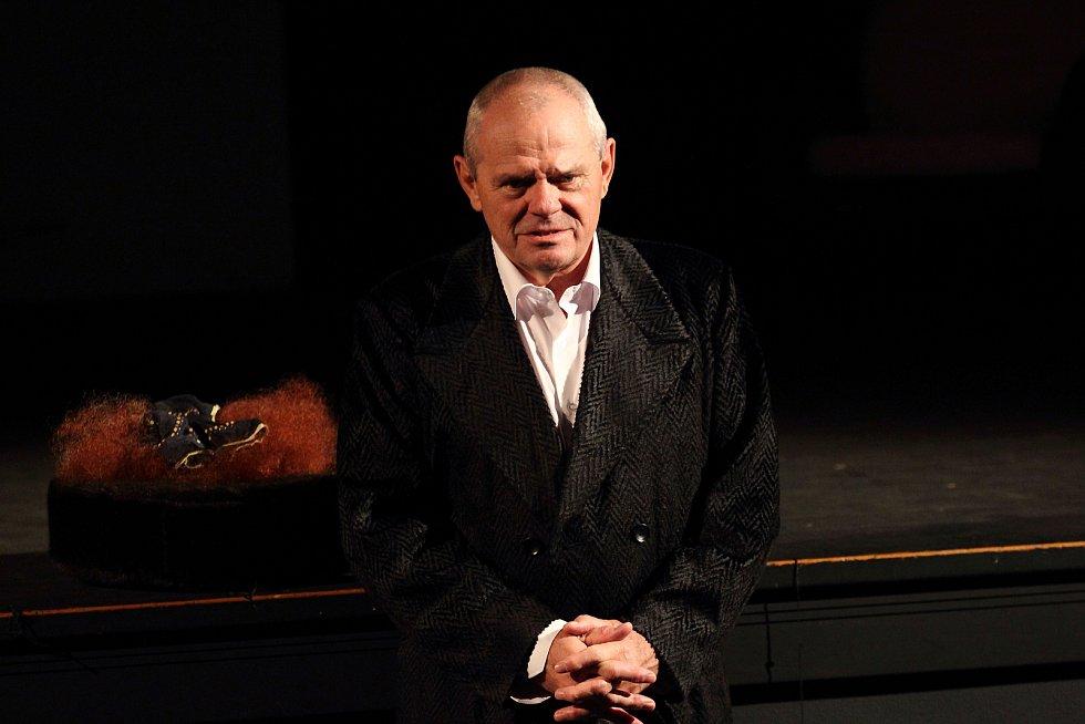 Herec a bývalý politik Milan Kňažko.