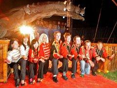 Tři a půl roku starý samec pumy americké jménem Baghira dokázal jedním skokem přeletět deset lidí, kteří klečeli na podlaze manéže cirkusu Jo–Joo.