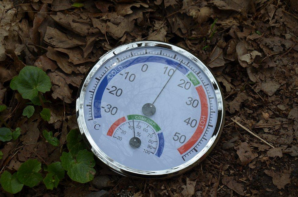 Při sběru klíšťat záleží nejen na lokalitě, ale i teplotě, vlhkosti a tlaku vzduchu.