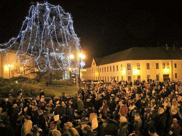 Slavkov uBrna, Palackého náměstí.