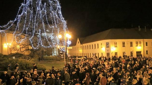 Slavkov u Brna, Palackého náměstí.