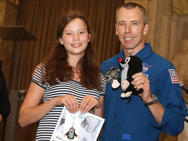 Americký astronaut Andrew Feustel ve sněmovním sále Nové radnice v Brně.