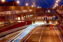 Státní silničáři kvůli pravidelné údržbě v dubnu postupně uzavírají všechny tři brněnské tunely, Královopolský jako jediný i přes den. - ilustrační foto.