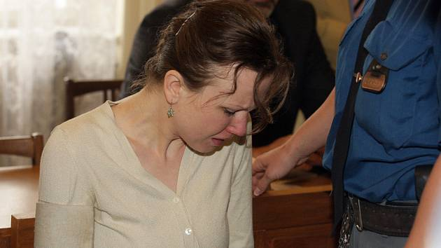 Klára Mauerová pláče